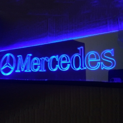 Зеркальная табличка Mercedes 2D