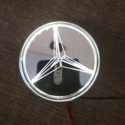 Зеркальный светящийся логотип Mercedes-Benz